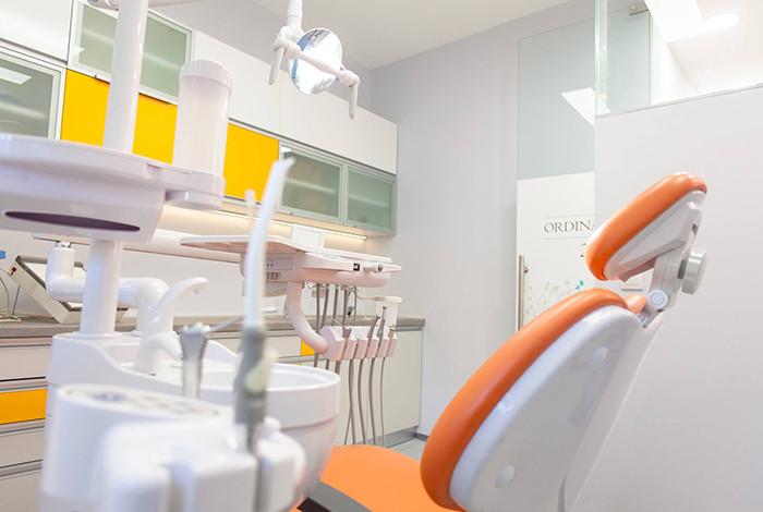 Stomatološka ordinacija Crown Dental - HIJALURONSKI TRETMANI - 1