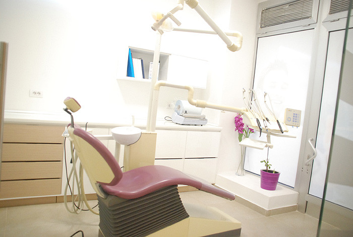 Dental studio Savić & Team - ESTETSKA STOMATOLOGIJA - 1