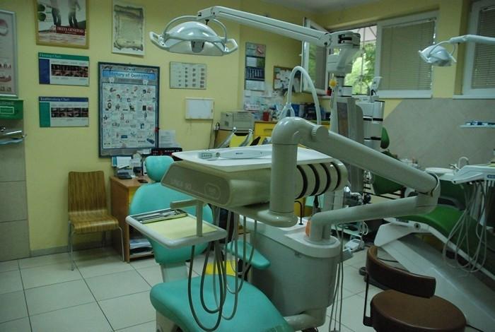 Stomatološka ordinacija maxim dent - PARODONTOLOGIJA - 1