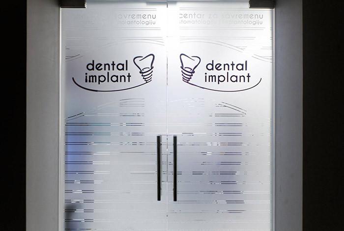 Dental Implant - DENTALNI TURIZAM - 1