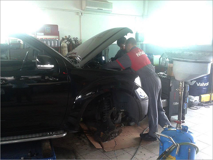 Nissan - Lady F Auto Centar - AUTO SERVIS - 1
