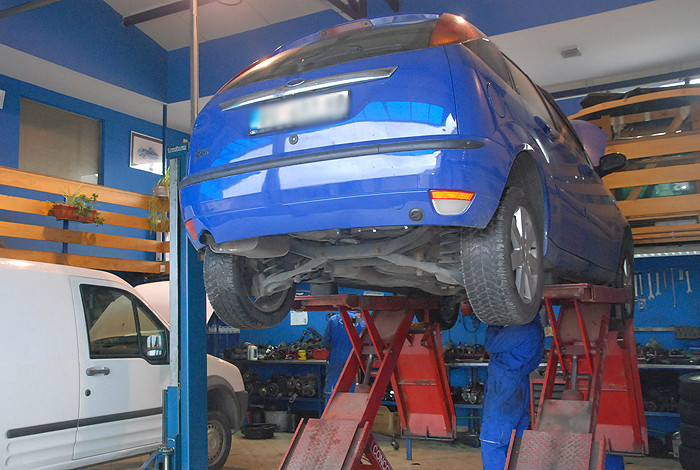 Auto servis v&d - O NAMA - 1