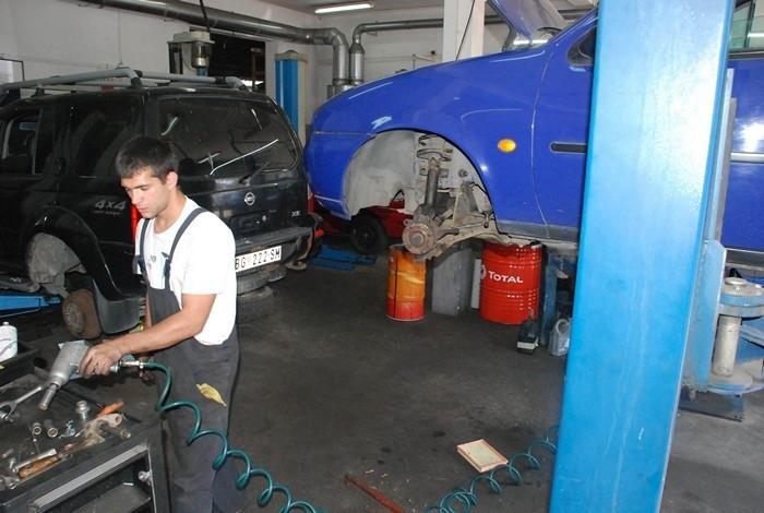 Gaga Motors - AUTO SERVIS - 1