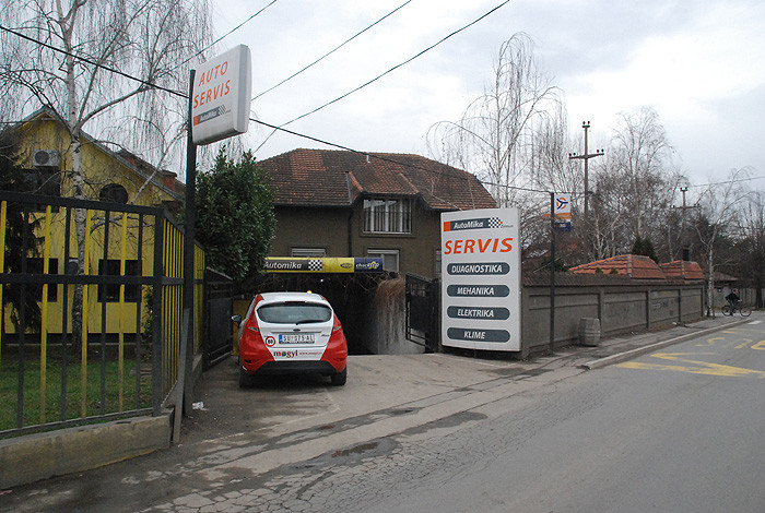 AutoMika Zemun - Mika Komerc - AUTO SERVIS - 1